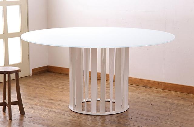 Cassina(カッシーナ)製 BOBOLI(ボボリ)テーブル