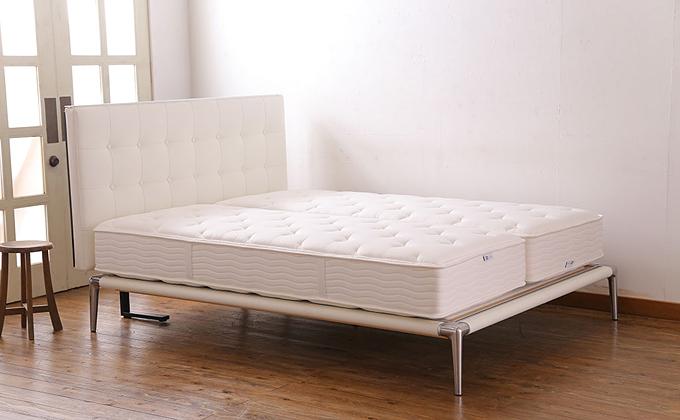 Cassinaixc.(カッシーナイクスシー)製 VOLAGE(ヴォラージュ) ベッド